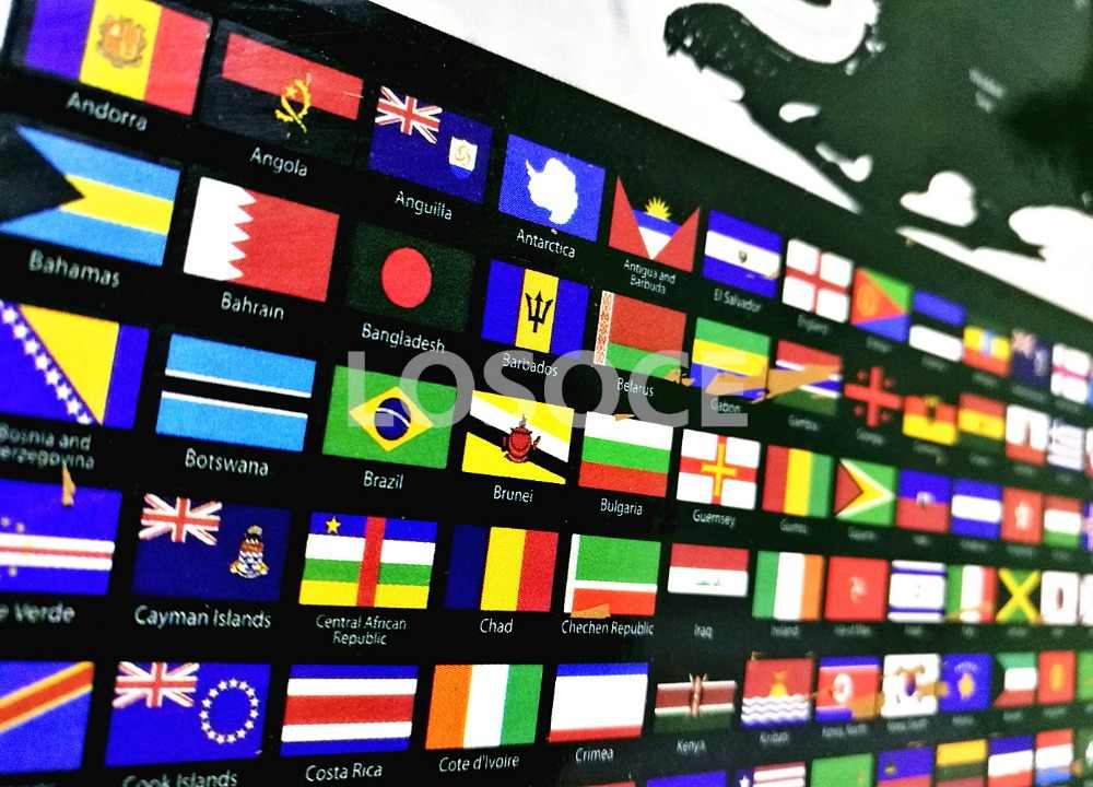 Hot sale! Travel World Map Scratch Off Word With Country Flags Posters,  Mini Scratch Off Foil Layer Coating Poster Wall Stickers