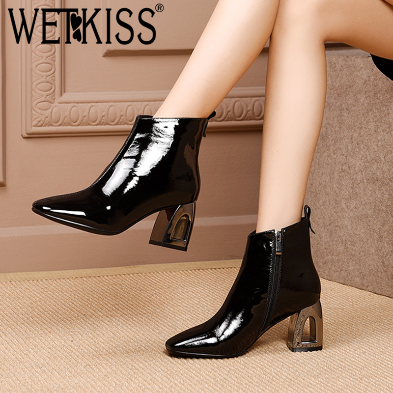 WETKISS الشتاء براءات الاختراع والجلود النساء حذاء من الجلد مربع اصبع القدم الأحذية البريدي الإناث التمهيد الزخرفة بمنشار عالية الكعب أحذية امرأة 2018 جديد-في أحذية الكاحل من أحذية على  مجموعة 1