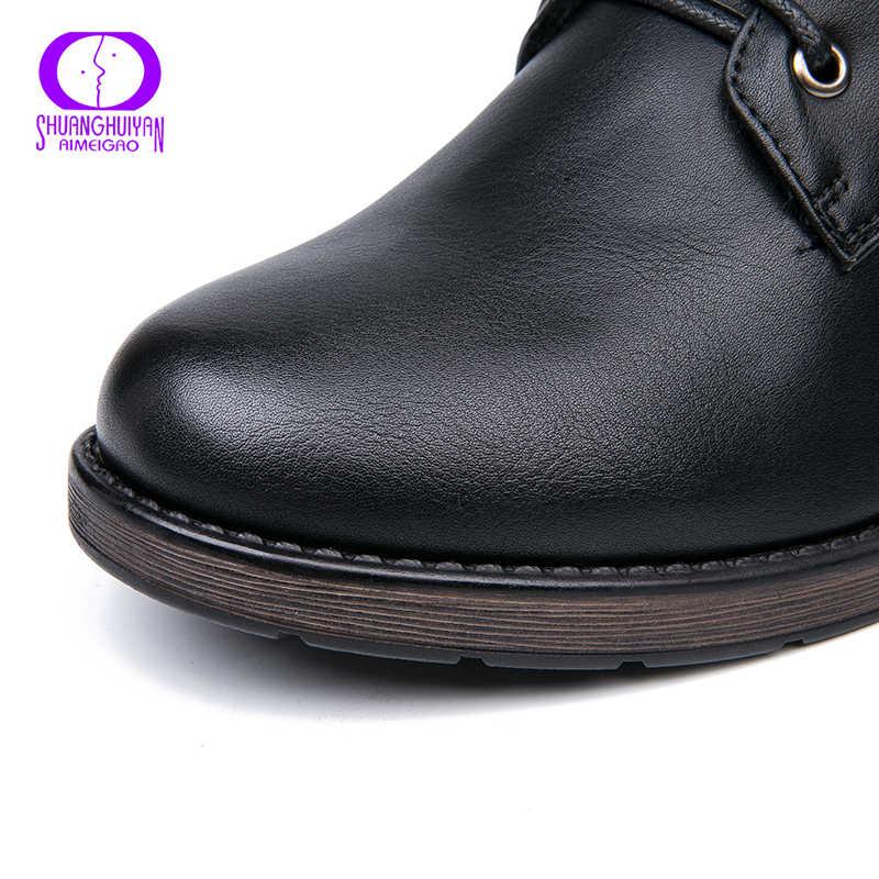 AIMEIGAO Yuvarlak Ayak yarım çizmeler Kadınlar Için Dantel up Siyah Renk Kadın Botları Sıcak Kürk Peluş Astarı Klasik Stil Kadın Ayakkabı