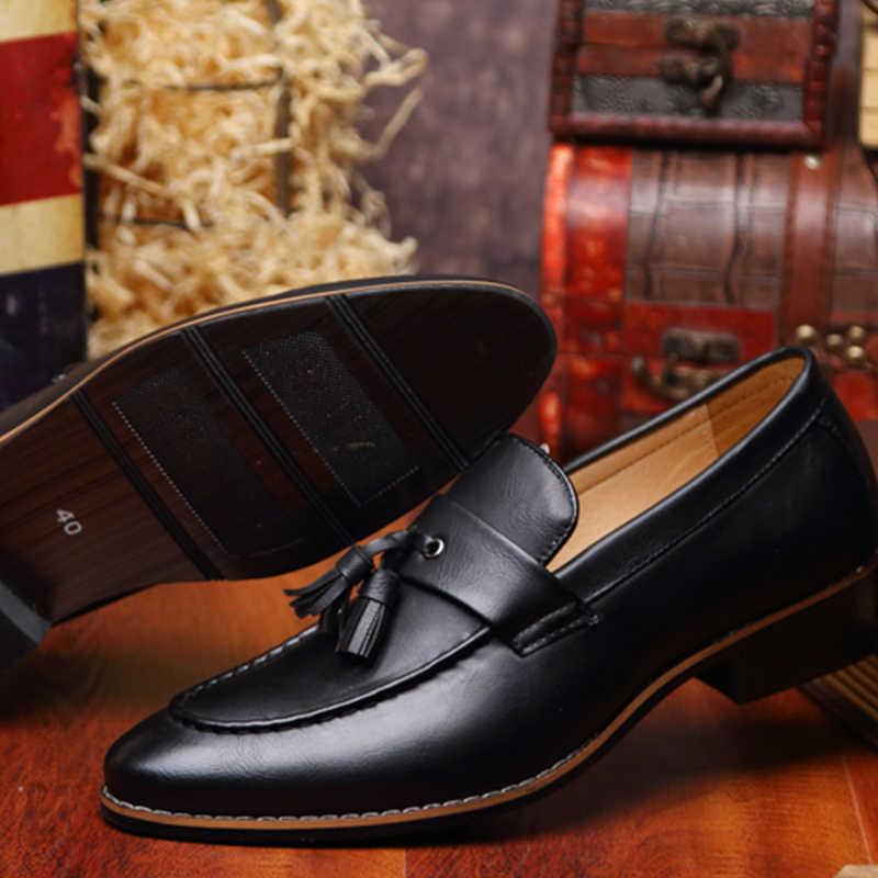 23982128a Мужские деловые туфли с острым носком Элитный бренд известный кисточкой  итальянская обувь мужской формальный балетки на