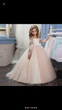 2017 New Elegant Ball Gown Flower Girl Dresses Sheer Scoop Neck Long Sleeve With Lace Applique Sweep Train Girl Gowns