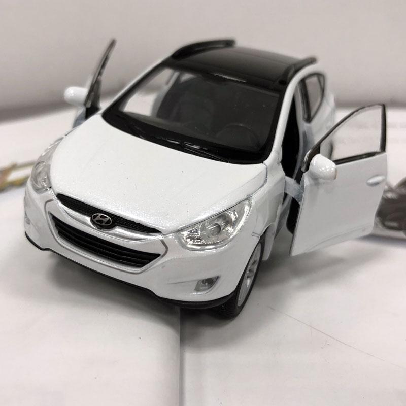 WELLY 1/36 קנה מידה דגם רכב צעצועים קוריאה - צעצוע כלי רכב