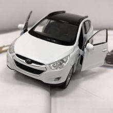 WELLY 1/36 Scale Car Model Toys Korea Hyundai Tucson ix35 SUV Diecast Metal Pull Back Car Model Toy For Gift/Kids/Collection(China)