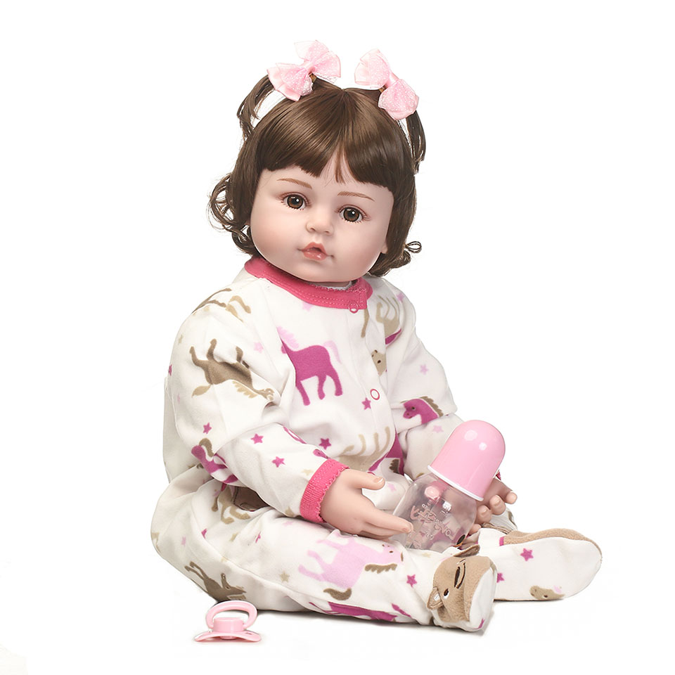 2017 Cute 24'' Safe Silicone Reborn Baby Dolls Cloth Body 58 cm Realistic Babies Doll Girl Toy Bright Eyes bebe So Truly Bonecas