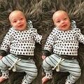 2 ШТ. Новорожденных 2016 Новая Мода Мальчиков Девушка С Капюшоном Верхняя одежда толстовка + Брюки Экипировка 2 шт. набор новорожденного мальчика одежда наборы
