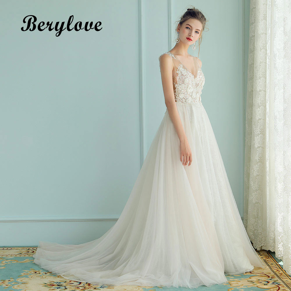 BeryLove Sexy A Line Wedding Dresses 2018 Long V Neck Beaded Flowers Lace Wedding Dress China Women Styles Tulle Wedding Gowns