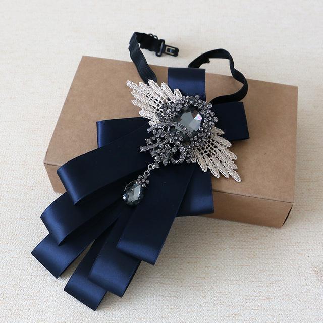 Nova Envio Gratuito de moda masculina 2016 DOS HOMENS Britânicos homens diamante nó e Padrinhos de casamento do noivo gravata borboleta borboleta multi EM VENDA