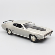 1:43 Scale cars classics Chrysler Plymouth GTX Road Runner diecast vehicles Muscle race car models 1971 miniatures for Children