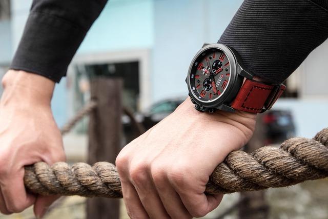 Mens Watches Curren Brand Luxury Leather Strap Waterproof Sport Quartz Watch Fashion Men Date Wristwatch Male Clock Relogio