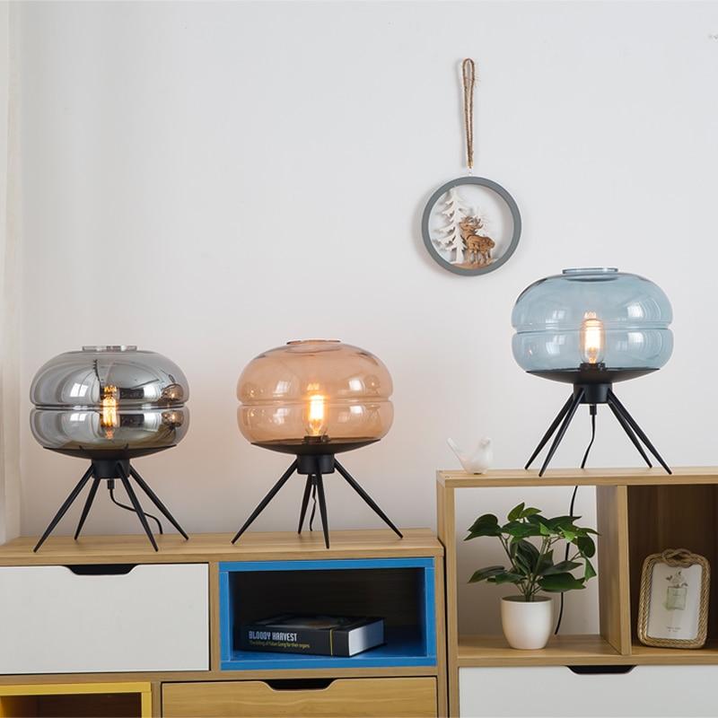 Moderne américain verre LED lampe De Table créatif chambre lampes De bureau chevet abat-jour lampe Table fer support lecture Lampara De Mesa