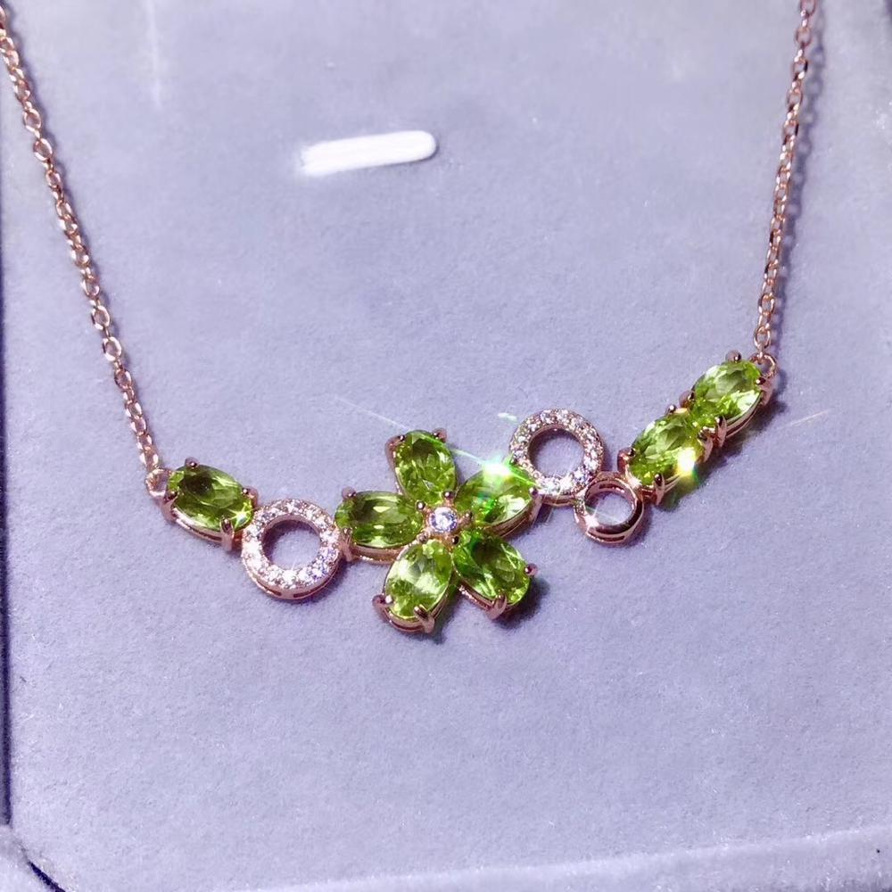 characteristic Green Peridot  gemstone necklacecharacteristic Green Peridot  gemstone necklace