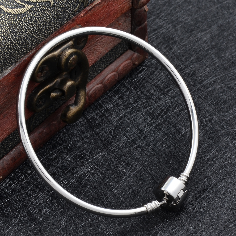 IJB0512 Hotter Accessories sale! Wholesale Pure Silver Simple Women Bracelet Stainless Steel Bracelet &Bangle Jewelry Bead Charm - Click Image to Close