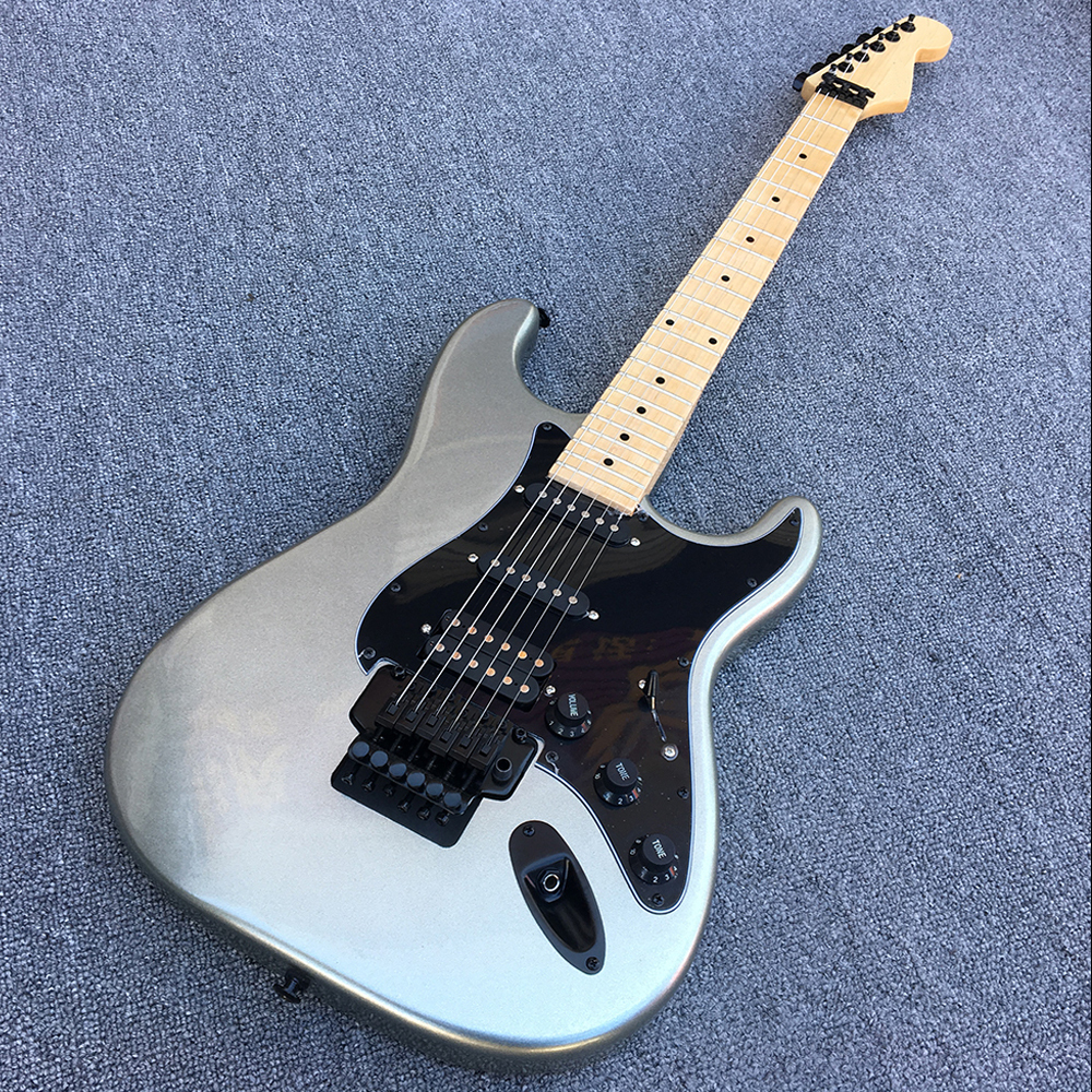 Custom Shop,ST electric guitar,Quality assurance,The silver body has Floyd rose on it.Real photos!free shipping!! high quality thunderbird electric guitar celluloid serging real photos free shipping promotional activities can custom hot sale