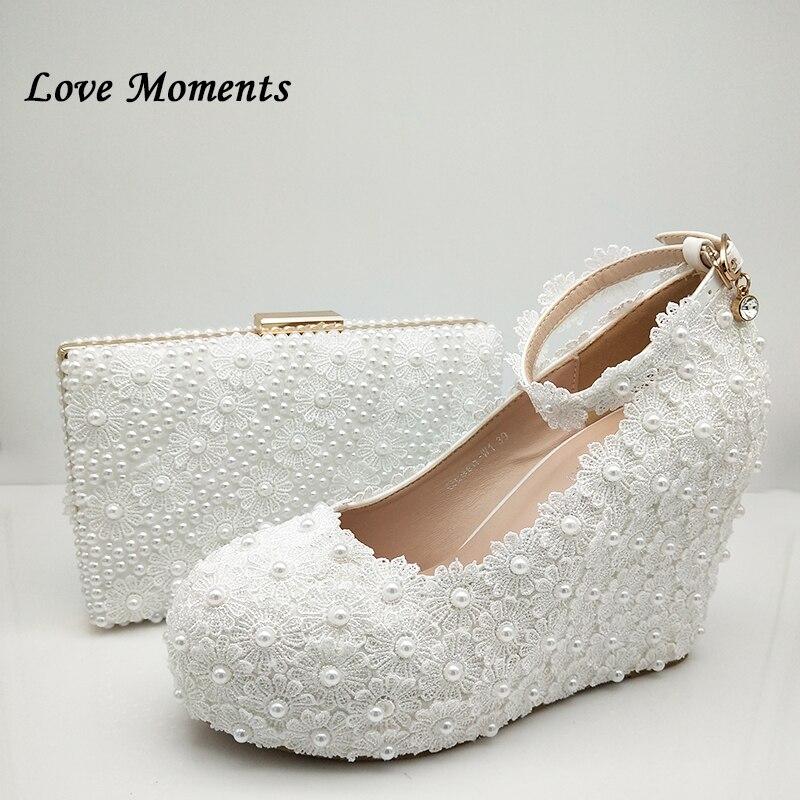 Love Moments/белые свадебные туфли и сумки с цветочным принтом; туфли на платформе и высоком каблуке; женские туфли с круглым носком и ремешком на щиколотке - 2