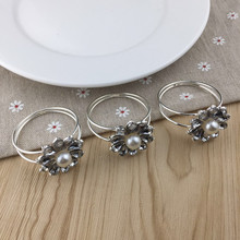 8PCS pearl silver alloy napkin ring model room buckle cloth wedding supplies