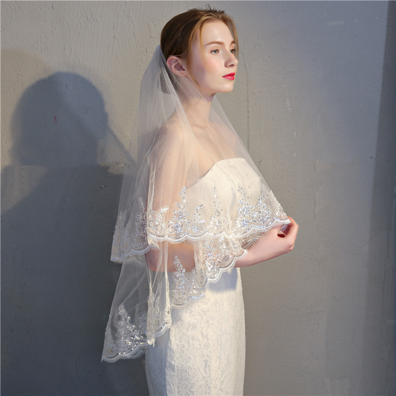 Short Women's Veil with Comb 2019 New Wedding White Ivory Two Layers Tulle Bridal Veil Sequin Lace Edge Cheap Bride Accessories