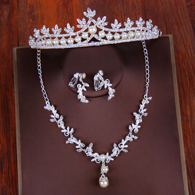 2018 Cheap Diamond Pearls Women Hair Jewelry Set Earrings Necklace Crowns Silver Wedding Party Tiaras Headbands Hair Accessories