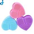 1 UNID Colorido Corazón Forma Limpia Componen Cepillos Cepillo de Lavado Limpiador Guante Depurador Bordo Herramientas De Limpieza Cosméticos Pinceles de Maquillaje