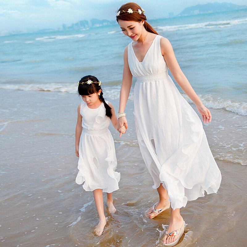 Family Matching Clothes 2018 Summer Mother Daughter Dresses Fashion Me and Mom White Yellow Baby Girl Clothes Family Clothing 2017 summer children clothing mother and daughter clothes xl xxl lady women infant kids mom girls family matching casual pajamas