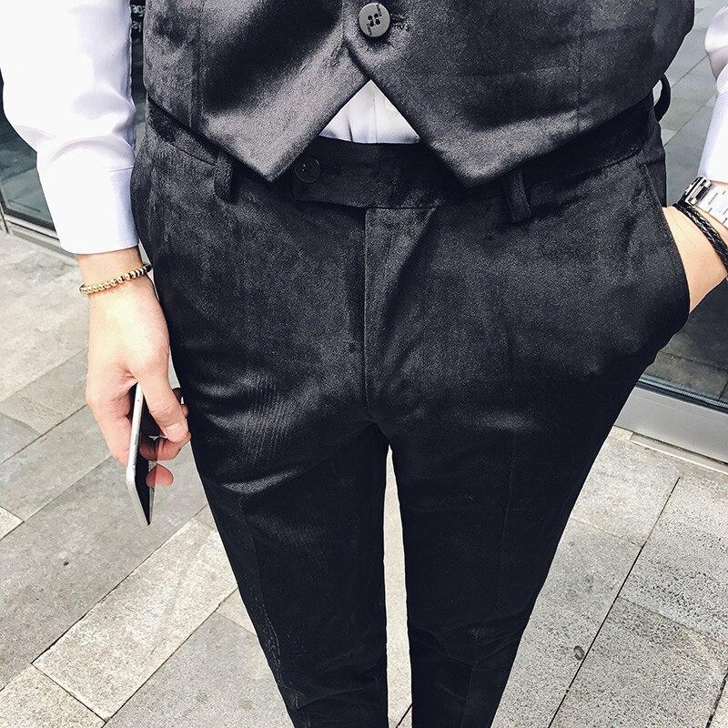 Da Sposa Di Lusso Di Affari Casual Pantaloni Dell'abito Sottile Dei Pantaloni Della Matita Degli Uomini Di Modo Di New Etero Convenzionale Maschio Di Velluto A Coste Di Velluto Del Vestito Di Pantaloni Per Godere Di Alta Reputazione Nel Mercato Internazion