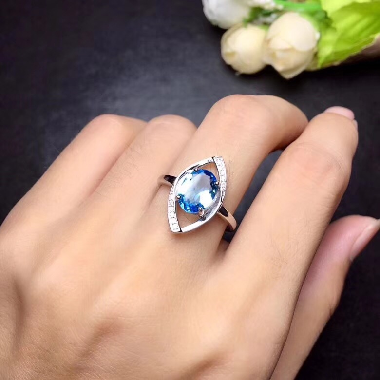 Natural topaz ring Free shipping Finger ring Natural real blue topaz 925 sterling silver ring Luxury style rings  7*9mm Gem Natural topaz ring Free shipping Finger ring Natural real blue topaz 925 sterling silver ring Luxury style rings  7*9mm Gem