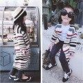 Nuevos 2016 Niños Del Otoño Niñas Suéter Suéter de Punto de Moda de Chicas Jerseys de Rayas Niños Ropa de Manga Larga Casual Suéter