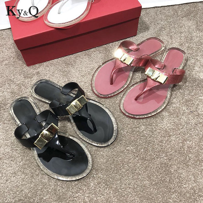 2018 Summer New Metal Bow Jelly Shoes Women Fashion Flat Flip Flops Ladies Sandals Female Outside Beach Transparent Slippers rivet wind rome sandals female korean students all match flat with flip flops jelly women shoes buckle strap new fashion novelty