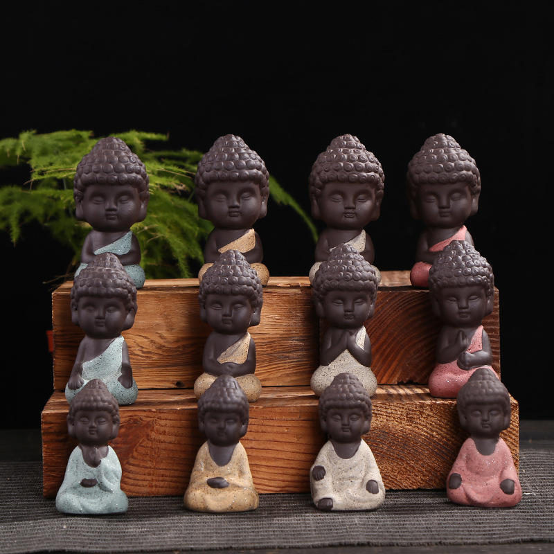 Pequeña estatua de Buda monje estatuilla tathagata India Yoga Mandala té mascota púrpura cerámica artesanías Zakka adornos de cerámica decorativos
