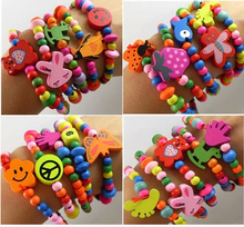 Free shipping, 20 pieces / batch, children's wooden candy color bracelet, bulk birthday gift / toy, little princess accessories