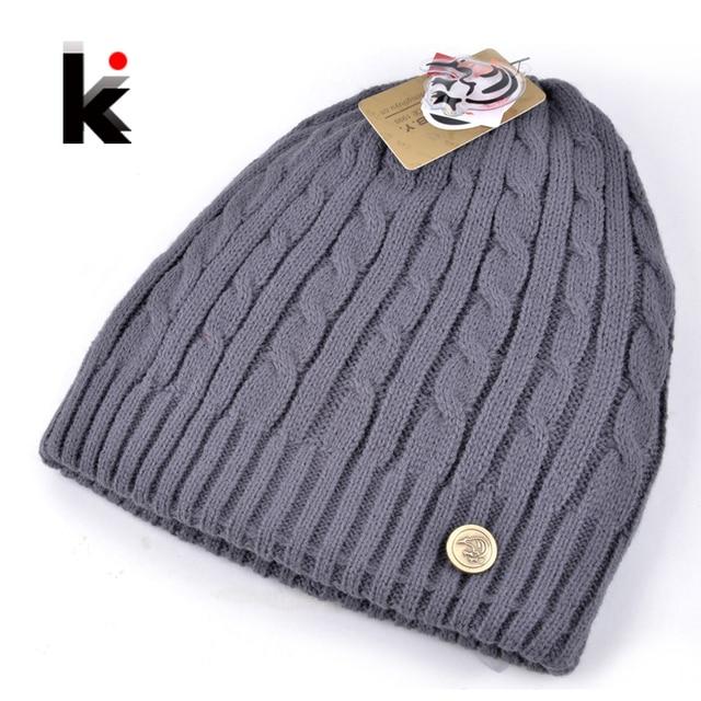 2018 new winter mens designer hats double-sided knitted wool hat men cap  beanie plus thick velvet hat for men bonnet e56f574146d4