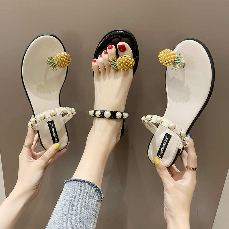 Shoes Women 2019 Summer New Fashion Hot Women's Shoes Pineapple Toe Pearl Wear Sandals