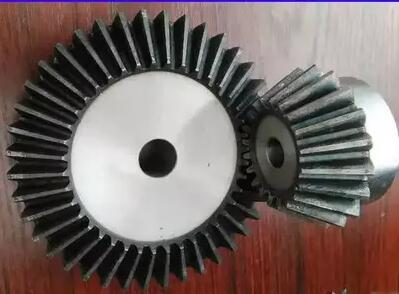 Precision bevel gear 1:3 ratio /1.5 Model bevel gear transmission 15teeth to 45teeth take the fix hole