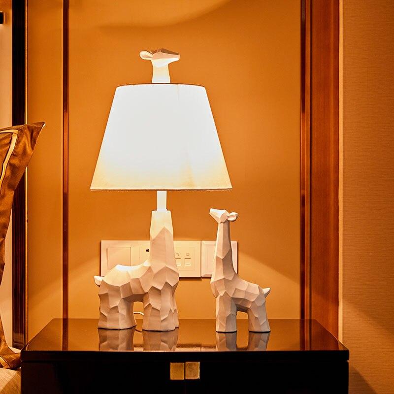 Книга свет Жираф статуя настольная лампа Nordic смолы настольная лампа исследование современные лампы настольные светильники отель ночные ог...