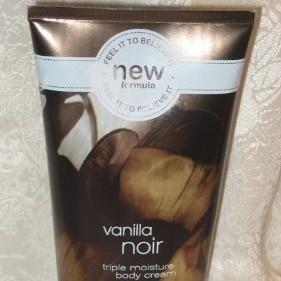 Bath & Body Works Signature Collection Vanilla Noir Body Cream, 8 oz (226 g) стоимость