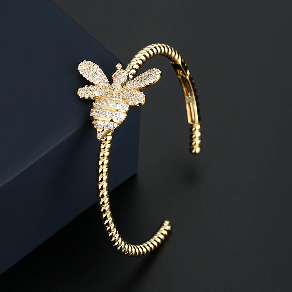 UMGODLY Luxury Brand Bee Bangle Full Cubic Zircon Stones Gold Color Lucky Charms Bracelet Women Fashion Jewelry GiftUMGODLY Luxury Brand Bee Bangle Full Cubic Zircon Stones Gold Color Lucky Charms Bracelet Women Fashion Jewelry Gift