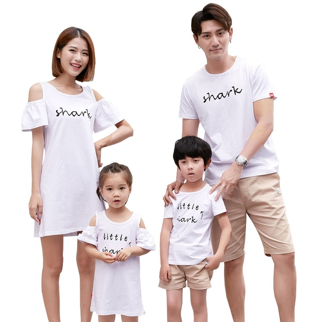 d70a01d501fa0 US $10.35 26% OFF|2018 Summer Family Matching Outfits Mom Daughter Shark  Dress Dad Son White T shirt+Pants 2 Pieces One Set Lovers Travelling Set-in  ...