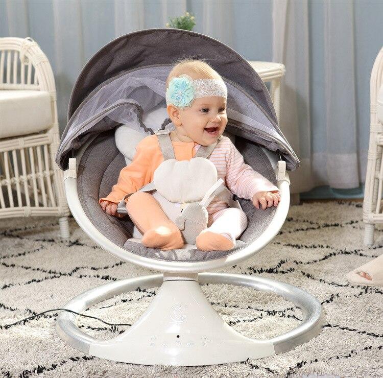 Fauteuil à bascule électrique télécommandé pour bébé imite l'étreinte et la musique de confort de la mère facile à amadouer le lit à bascule pour bébé