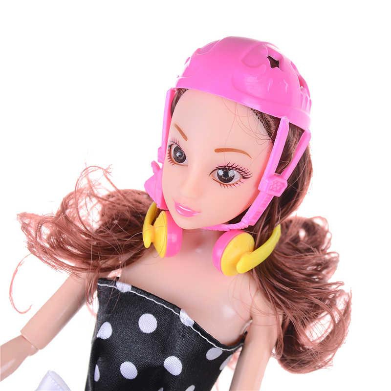 4 ชิ้น/เซ็ตแฟนซีตุ๊กตารองเท้า + ชุดหูฟัง + หมวกนิรภัยสำหรับตุ๊กตาบาร์บี้เด็กผู้หญิงของเล่น Roller Play อุปกรณ์เสริมตุ๊กตาของเล่นตกแต่งลูกกลิ้งสเก็ต