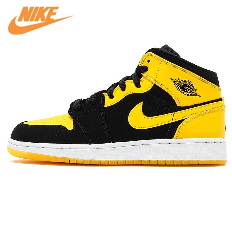 Nike Air Jordan 1 Mid AJ1 черного, желтого цвета Джо Для Мужчин's Баскетбольные кеды Спортивная обувь, оригинальный Открытый нескользящей Обувь 554724 035