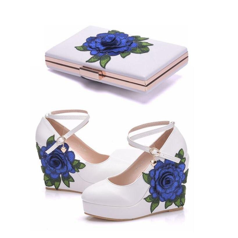 Cristal reine bleu dentelle fleur mariée chaussures compensées talon haut robe de mariée chaussures avec sac assorti cales pompes avec sac à main
