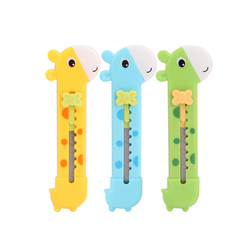 Cute Giraffe Utility Knife Paper Cutter Cutting Paper Razor Blade Office Stationery Escolar Papelaria School Supply