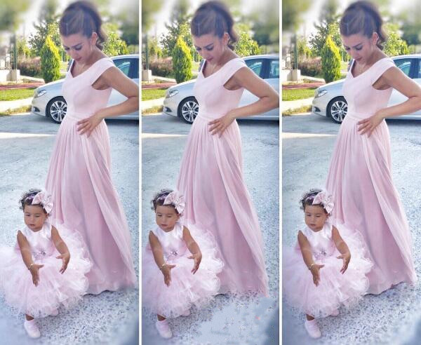 Custom Puffy light pink ruffles flower girl dresses tutu tiered infant birthday dress for mother and daughter prom evening party