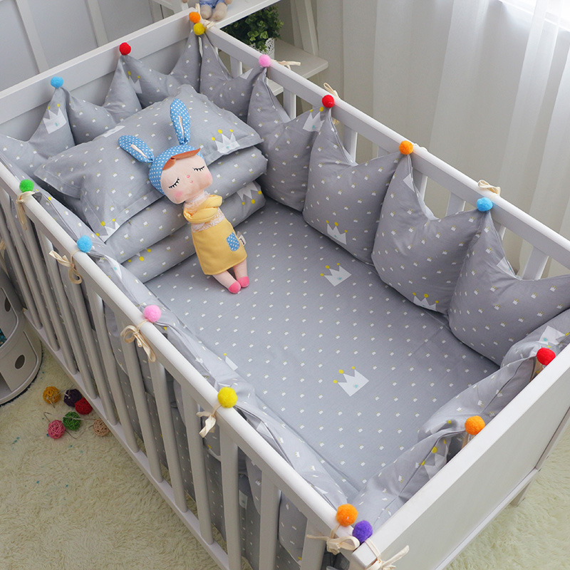 6pcs/set Cotton Baby Cot Bedding Set Grey Crown Crib Bedding Toddler Cot Bed Bumpers Bed Sheet Pillow Crown Shape Crib Bumpers 7 pcs set ins hot crown design crib bedding set kawaii thick bumpers for baby cot around include bed bumper sheet quilt pillow
