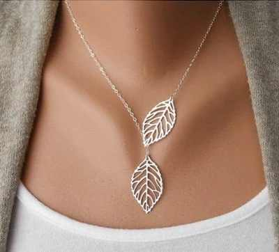 2019 New Cute Maple Leaf Cute Double Maple Pendant Necklace Women's Office Women's Double Leaf Jewelry Wholesale Sale