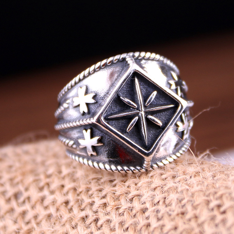 S925 sterling silver ring engraved with the brand personality cross the M & M rings hamid m the reluctant fundamentalist