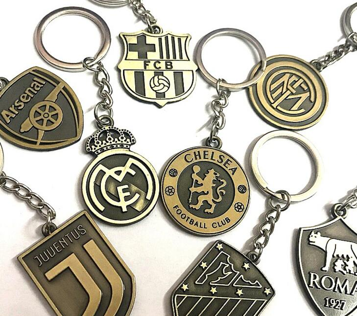 2018 Hot Europe's Football Leagues Soccer Club Logo Bronze Keychains Vintage Spanish La Liga Football Club Keychain Action Toy