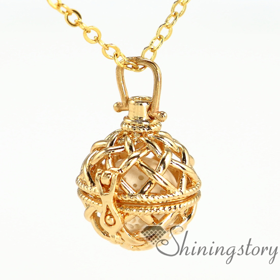 p locket gold v lockets heart zales in necklaces
