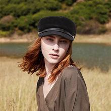Otoño Invierno de las mujeres Boina sombreros sólido de pana vendedor  gorras sombrero plano dama gorra 483547b481d9