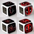 Deadpool Venta Caliente Reloj Despertador Cuadrado LED Colorida Luz de La Noche del Reloj Electrónico Digital American Movie Juguetes # F