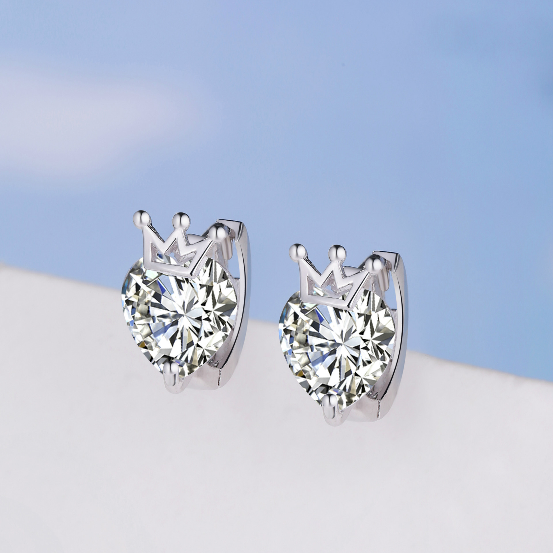 silver small and pure and fresh temperament female silver crown zircon ear clip fashionable joker products wholesale